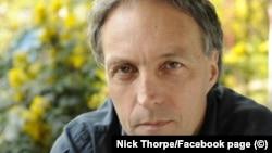 Nick Thorpe a transmis evenimentele din 1989 pentru BBC