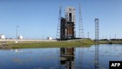 """Ракета """"Дельта-4"""" на стартовой площадке на мысе Канаверал, штат Флорида, 3 декабря 2014"""