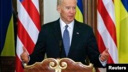 Вице-президент США Байден выступает в Киеве