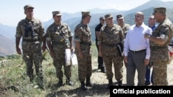 Armenia - Defense Minister Seyran Ohanian visits Armenian troops deployed along the border with Azerbaijan's Nakhichevan exclave, 22Jul2015.