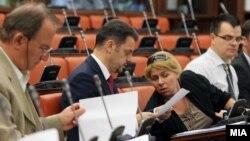 Министерот за финансии Зоран Ставрески на седница на собраниската Комисија за финансирање и буџет.