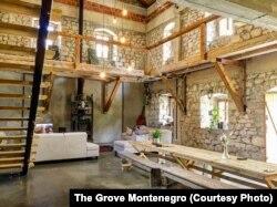 Presudila je, kažu, ljepota kamenog zdanja, ali i to što su procijenili da je Crna Gora poslovna šansa za turističko ulaganje