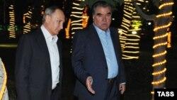 Орусиянын президенти Владимир Путин менен Тажикстандын президенти Эмомали Рахмон