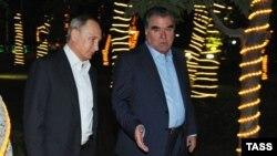 Таджикистан. Эмомали Рахмон и Владимир Путин. Душанбе, 14 сентября 2015 года.