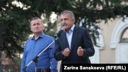 Президент Анатолий Бибилов и председатель парламента Алан Тадтаев