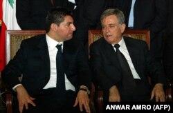 در کنار بهاءالدین حریری در مراسم یادبود پدرس رفیق حریری در فوریه ۲۰۰۵