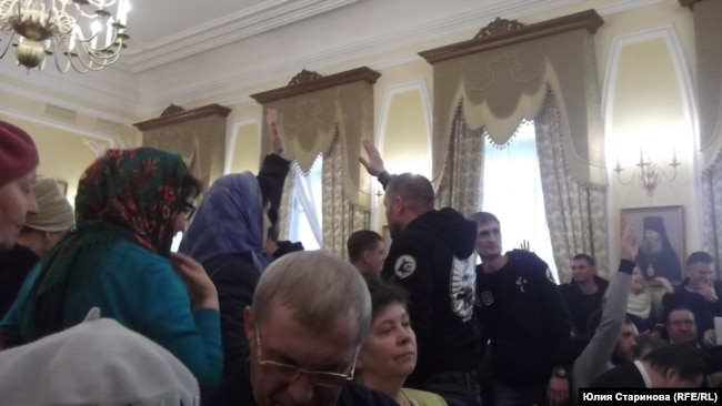 На публичных слушаниях в Красноярске