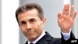 Свои многочисленные промахи правящая коалиция пытается компенсировать появлением в предвыборной гонке фигуры Иванишвили