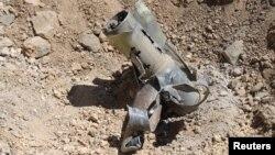 Рештки однієї з сирійських ракет, які вибухнули в Лівані раніше, 28 травня 2013 року