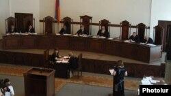 Слушания в Конституционном суде (архивная фотография)