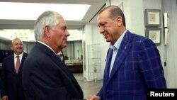 د ترکي ولسمشر رجب طيب اردوغان او ریکس ټيلرسن