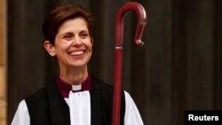 Первая женщина-епископ Церкви Англии Либби Лейн после церемонии, Йорк, 26 января 2015 года.
