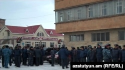 Armenia -- Police prevent drivers' protest in Gyumri, 08Feb2011