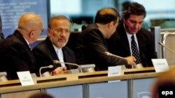 منوچهر متکی، وزیر امور خارجه ایران، در جلسه کمیته امور خارجی پارلمان اروپا در بروکسل