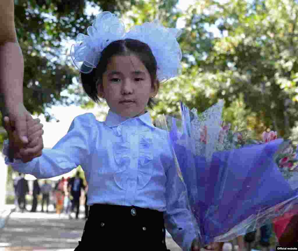 Кыргызстан. Большинство школ стараются придерживаться классического варианта