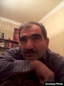 Rusiyada yaşayan azərbaycanlı yazar Yaşar Bünyad.