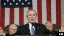 جرج بوش رییس جمهوری آمریکا در گزارش سالانه وضعیت کشور تاکید کرد شکست در عراق تاسف بار خواهد بود