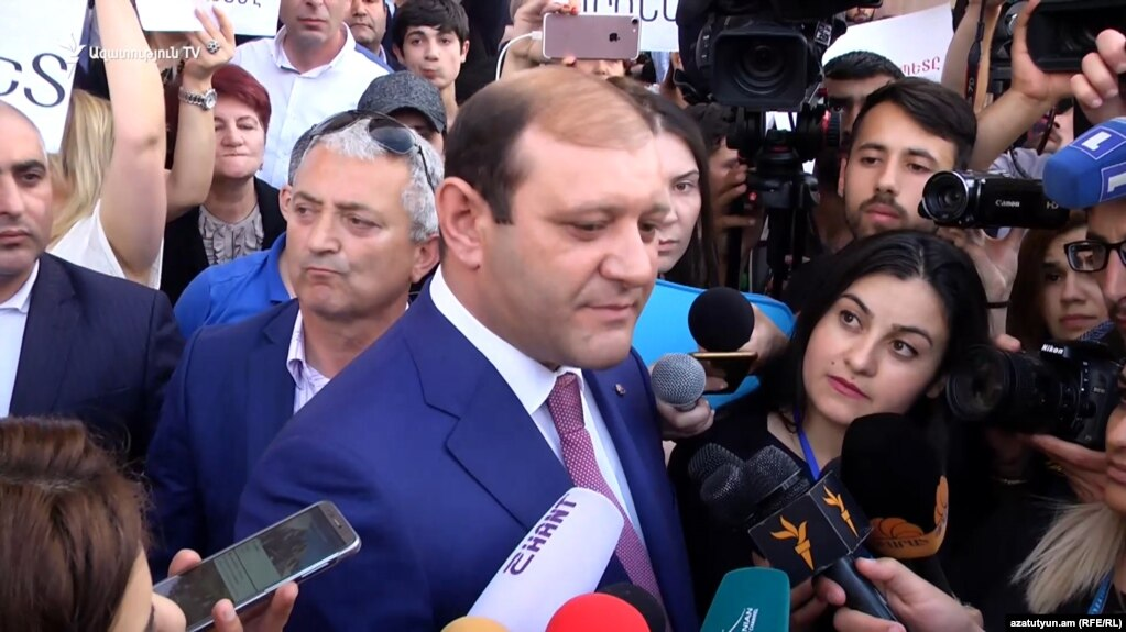 Мэр Еревана Тарон Маркарян написал заявление об отставке - Давид Хажакян