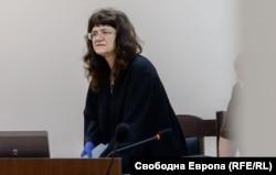 Съдия Вилислава Ангелова отказа да чака Симеон Дянков до август, въпреки че той искаше да участва физически в края на процеса