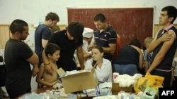 Раздача гуманитарной помощи в Крымске