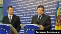 Premierul Vlad Filat și Jose Manuel Barroso, președintele CE la Bruxelles în februarie 2011