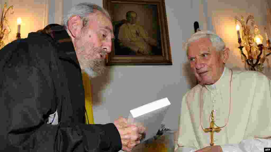 Former Cuban leader Fidel Castro (left) meets with Pope Benedict in Havana in March 2012.