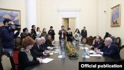 «Նաիրիտի» աշխատակիցներին ընդունել է վարչապետ Հովիկ Աբրահամյանը, 13-ը դեկտեմբերի, 2014