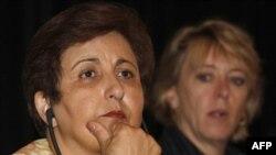 شیرین عبادی، حقوق دان و برنده جایزه صلح نوبل، می گوید شیوه دادگاه های ایران درباره «جرم امنیتی» درست نيست.