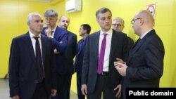 Владислав Сурков осмотрел ряд строящихся при российской помощи объектов