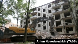 Russia -- A Khrushchyovka apartment block is demolished in Moscow , September 26, 2017
