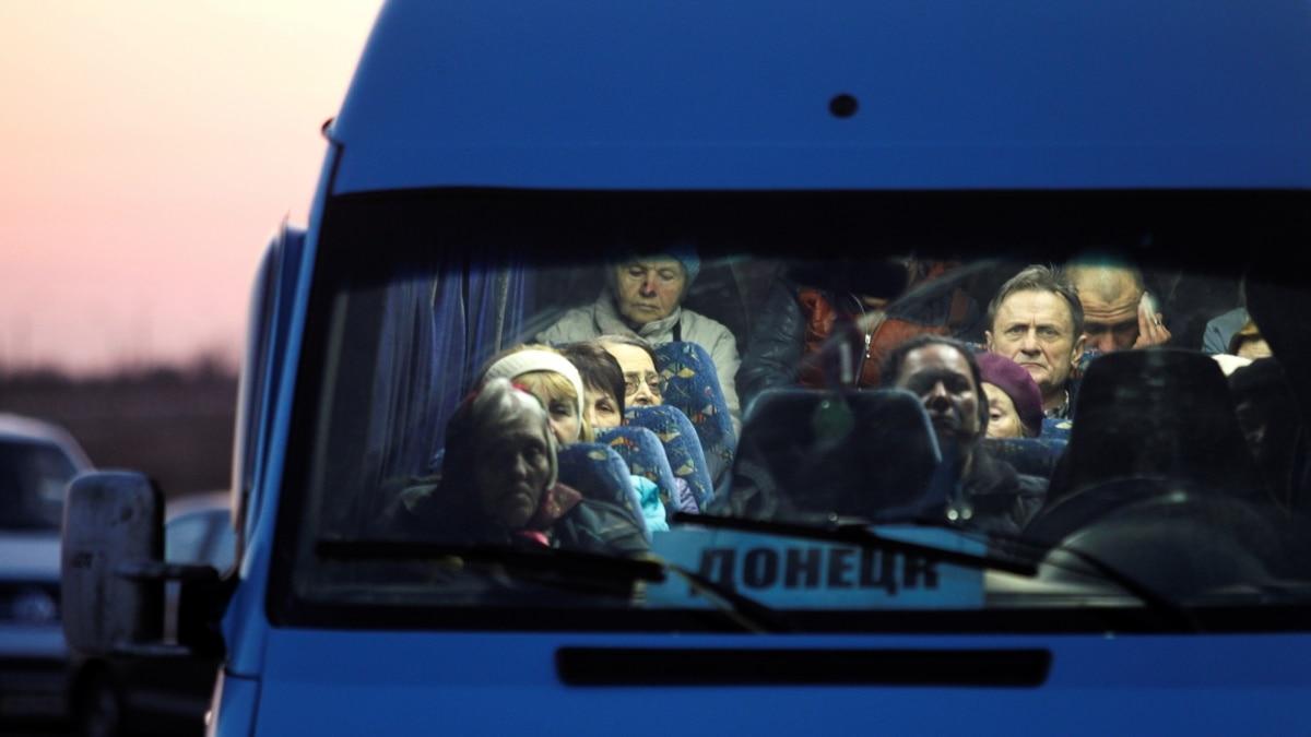 «Меня не пустили домой». Карантин в оккупации и другие «приключения» украинцев в пандемию