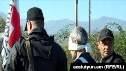Armenia -- An Azerbaijani man is sent back to Azerbaijan after nearly one year in Armenian detention, 04Nov2010.