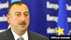 «Economist Intelligence Unit» Əliyev və onun tərəfdarlarının vəziyyəti zor gücünə idarə edəcəyini gözləyir