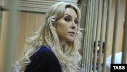 Елена Тищенко, адвокат экс-главы казахстанского БТА Банка Мухтара Аблязова, в Тверском суде в Москве. 3 сенября 2013 года.