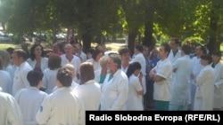 Протест на лекарите во Клиничкиот центар во Скопје. 24 септември 2012.