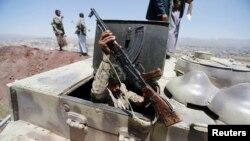 یکی از نیروهای شبهنظامی حوثی در صنعا