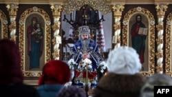 Архієпископ Сімферопольський і Кримський ПЦУ Климент у соборі святих Володимира і Ольги у Сімферополі, 15 лютого 2019 року