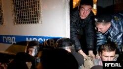 Оппозиционерам на улицах удалось не больше, чем во время предвыборной кампании: и в том, и в другом случае власти одержали победу