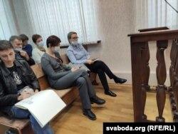 Прадстаўнікі адміністрацыі «Беларускалію» знаходзяцца на паседжаньні ў мэдычных масках