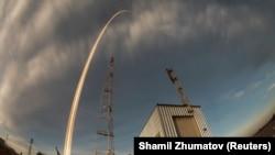 На «Союзі» до МКС прибули три космонавти