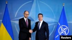 Премиерот на Украина и генералниот секретар на НАТО