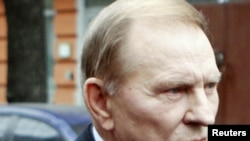 Former President Leonid Kuchma arrives at the Prosecutor-General's Office in Kyiv on March 23.