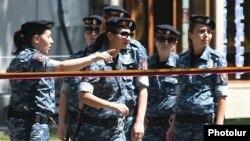 Polis Yerevanda beş küçəni bağlayıb