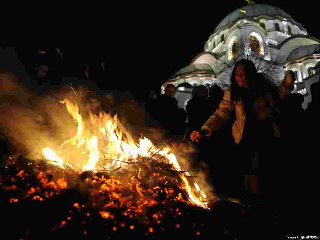 Сербський патріарх Іриней під час різдвяної літургії у храмі Святого Сави, 6-7 січня. Photo by Vesna Andjic for RFE/RL