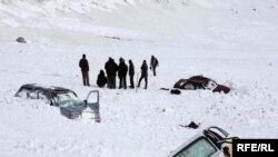 در نتیجه سرازیر شدن برفکوچها در غوربند ۱۵تن کشته شدهاند