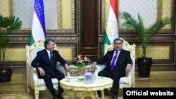 Шавкат Мирзияев и Эмомали Рахмон. Фото сайта президента Таджикистана.