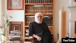 Dariush Shayegan