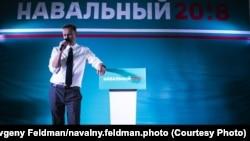 Алексеј Навални на митинг во Омск