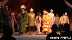 """Хуҗа Насретдин"" спектаклендә катнашучылар"
