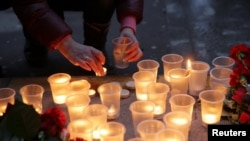 Акция памяти жертв теракта в метро в Санкт-Петербурге